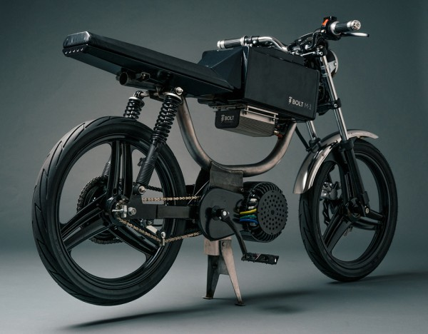 Bolt-Motorbikes-M1-Electric-Motorcycle-Moped_hintland 2